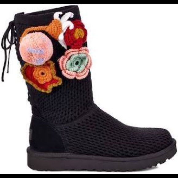 UGG Shoes - UGG W CROCHET CLASSIC 1095270 W/BLK BOOTS